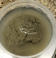 How to Add Bentonite to a Wet Glaze